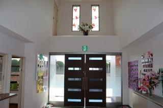 双葉保育園 玄関